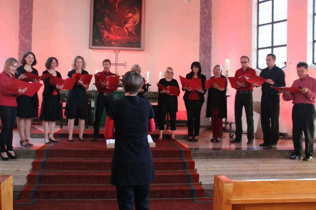 Der Kleine Chor singt Liebeslieder