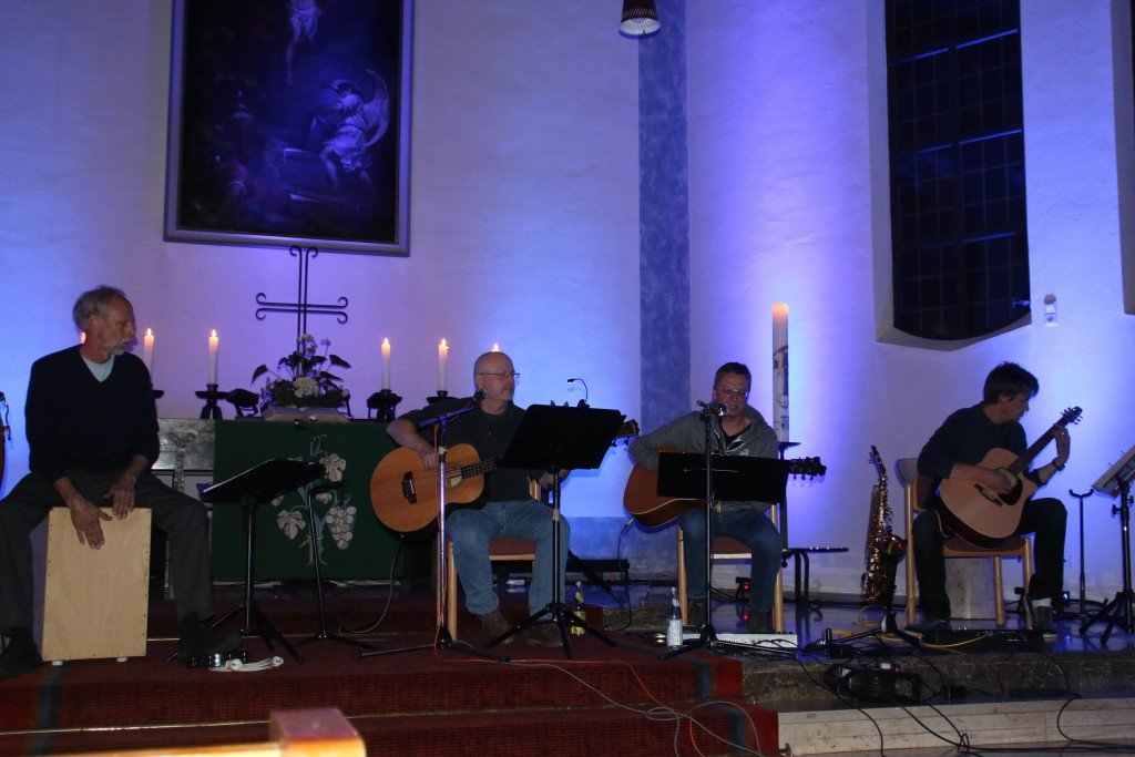 CrossOver spielt Lieder für einen Sommerabend